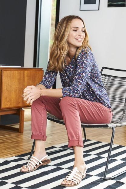 photo mode intérieur vêtement femme catalogue mode