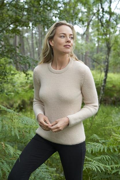 photo mode vêtement femme catalogue mode extérieur forêt