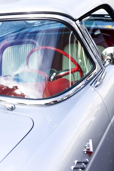 Photo professionnelle mise en valeur de produit et marque, photo automobile classique par Stevents Frémont photographe professionnel