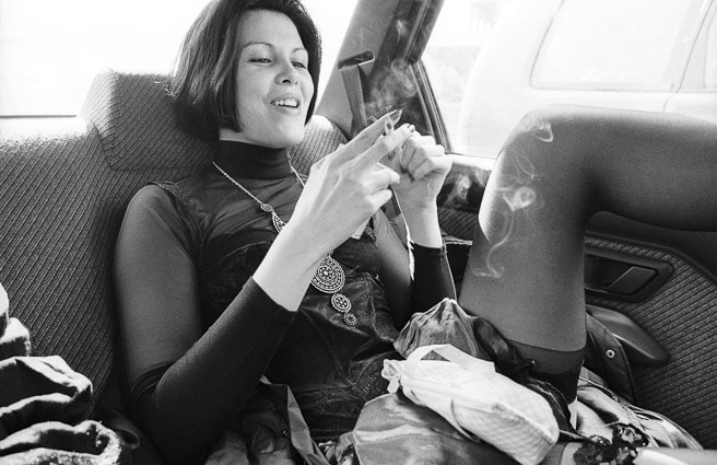 Photo professionnelle mise en valeur de produit et marque, photo originale punk dans un taxis par Stevents Frémont photographe professionnel