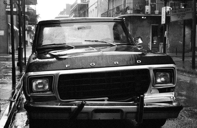 Photo professionnelle mise en valeur de produit et marque, photo automobile à la Nouvelle Orléans par Stevents Frémont photographe professionnel