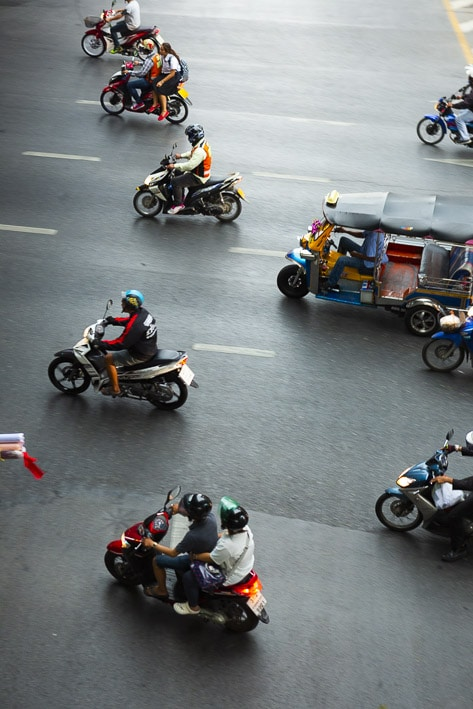 Photo professionnelle de voyage, réalisation Stevens Frémont photographe professionnel voyage Bangkok ville circulation