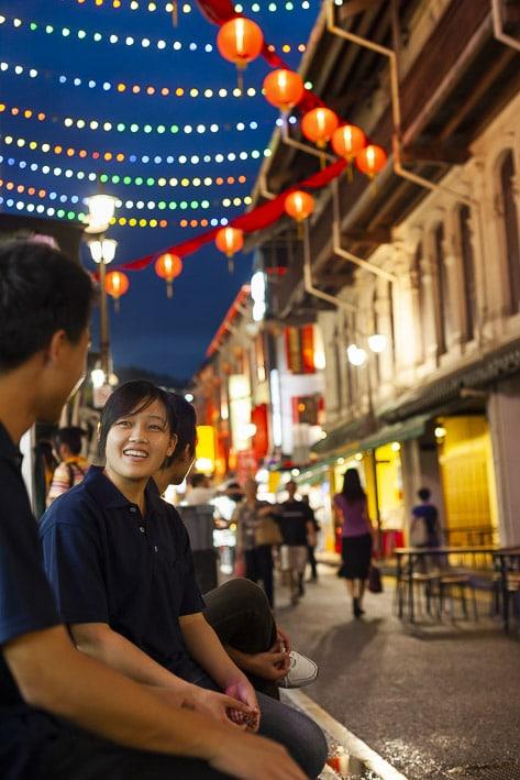 Photo professionnelle de voyage, réalisation Stevens Frémont photographe professionnel voyage Singapour Street night