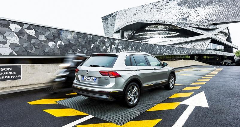 Photo professionnelle mise en valeur de produit et marque, photo Volkswagen Tiguan par Stevents Frémont photographe professionnel