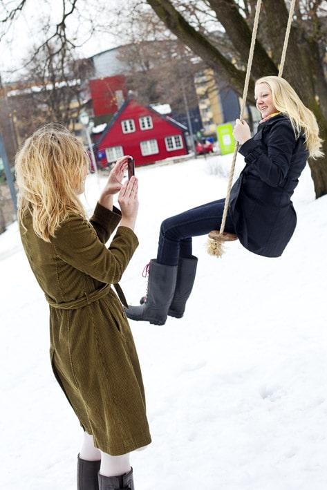 Photo mode professionnelles réalisation par un professionnel, photo extérieur mode à Oslo par Stevens Frémont photographe professionnel