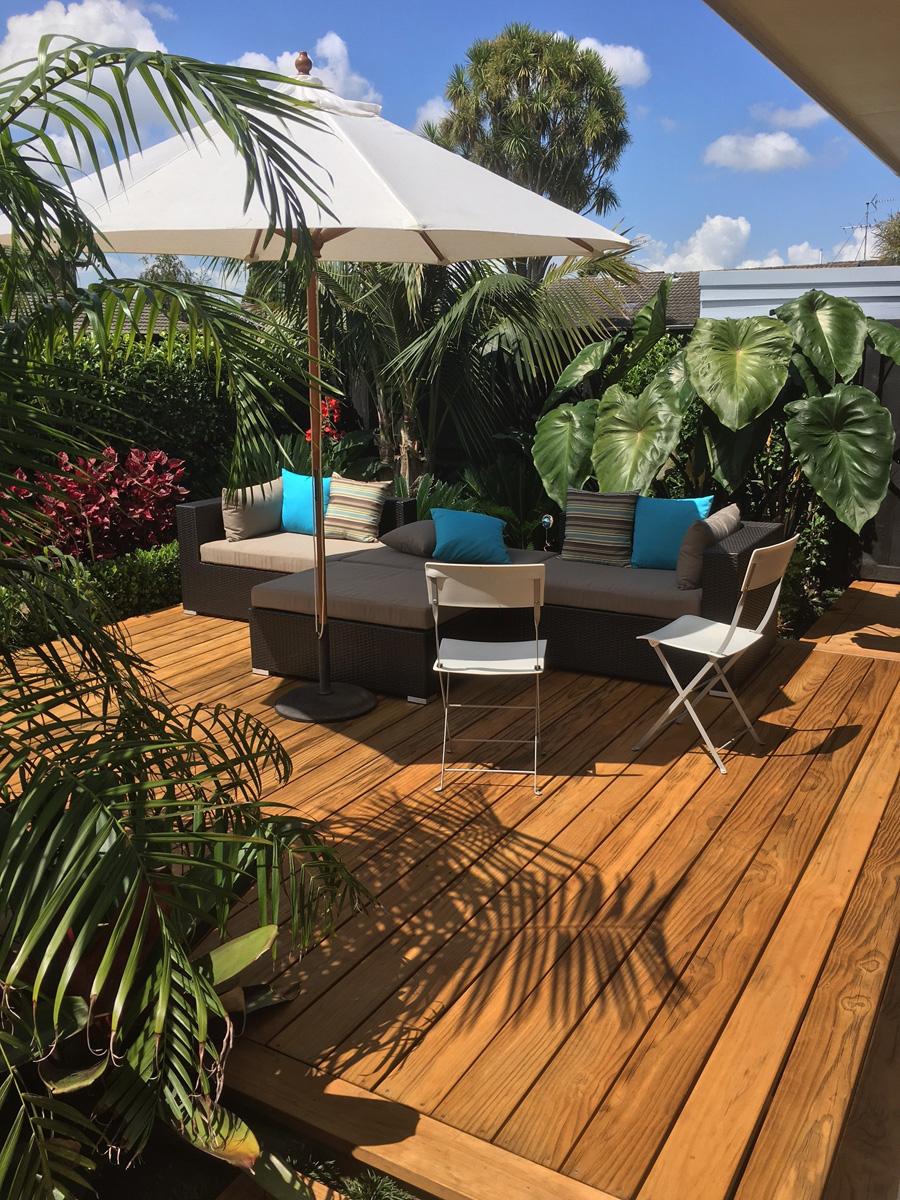 Landscaped patio 1