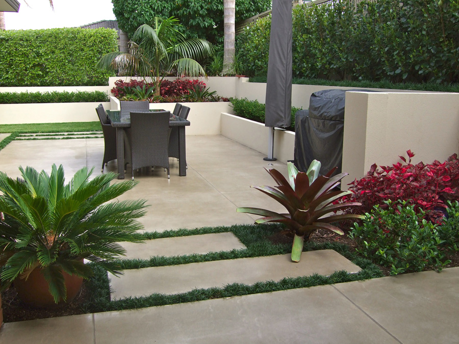 Landscaped courtyard 1