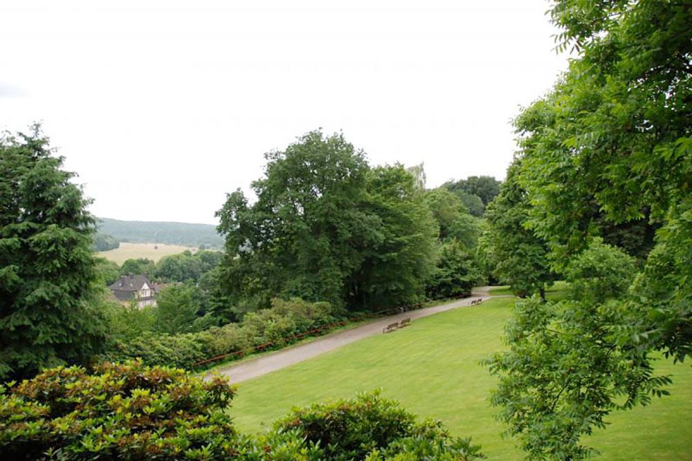 Blick über den Steeler Stadtgarten ins Ruhrtal
