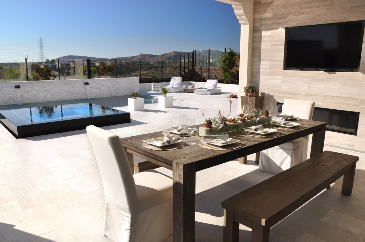 Linear pool with a table setting