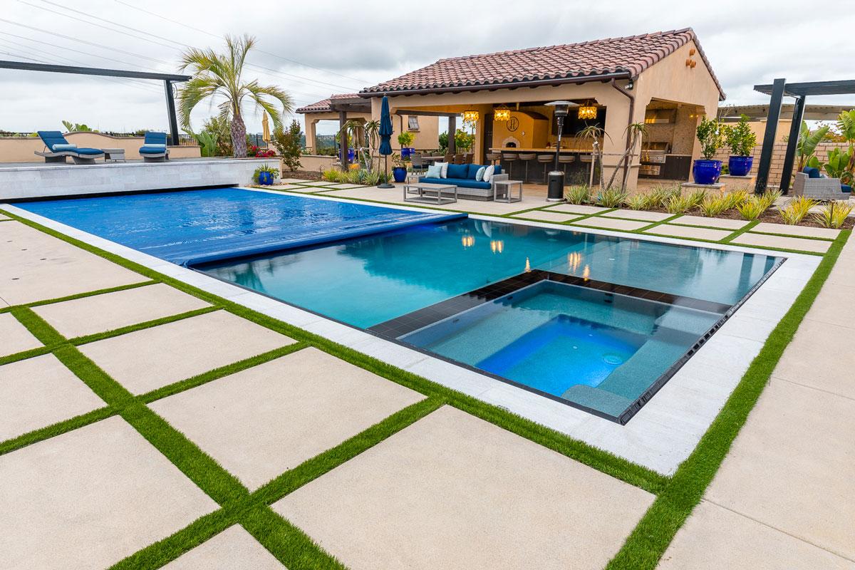 Rim flow Pool & Spa , Auto Cover