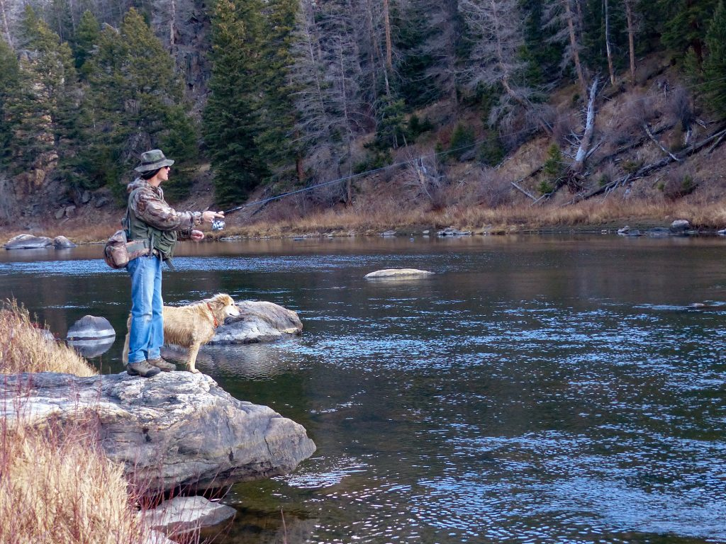 shoreline spring fishing on the north platte river