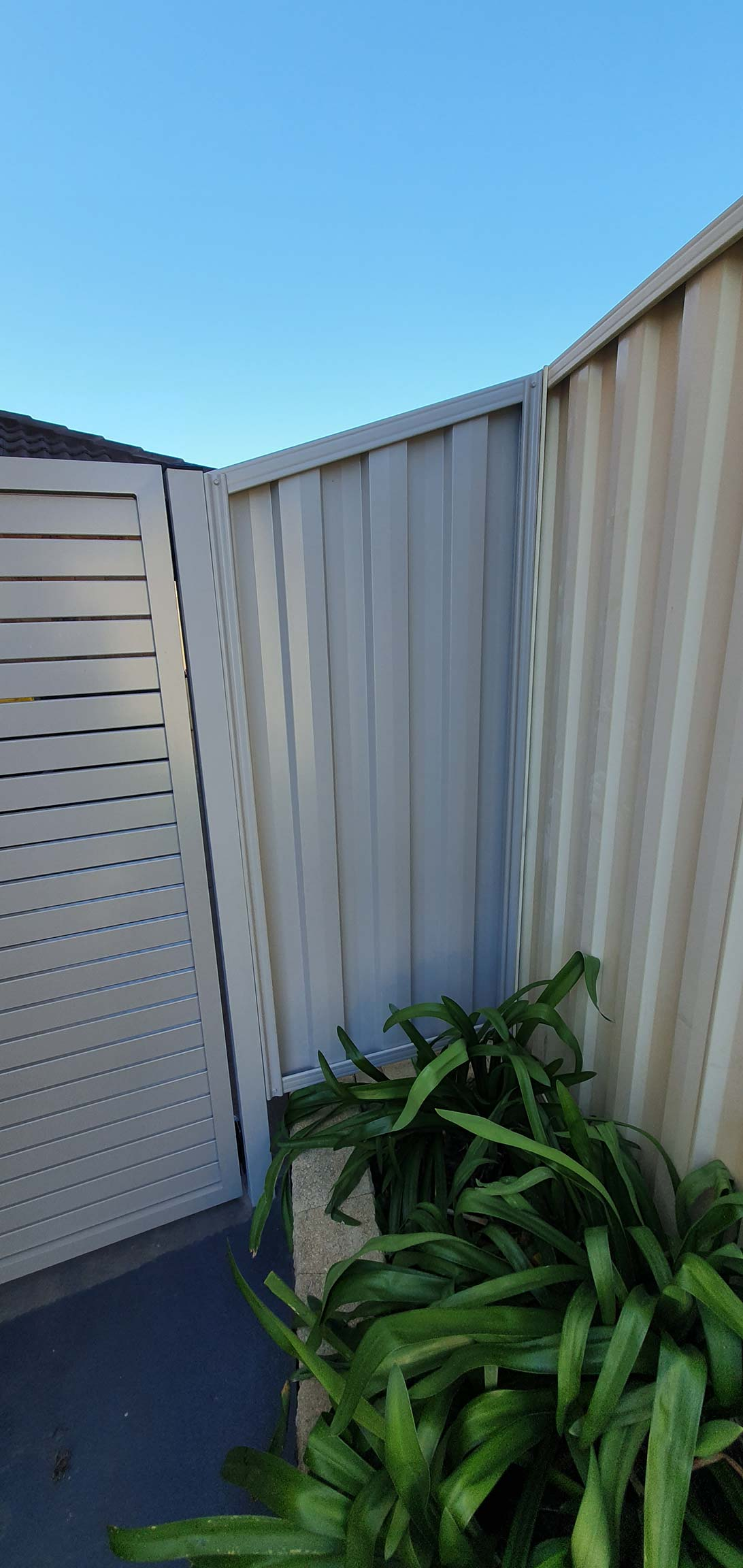 Exterior painting fence gate
