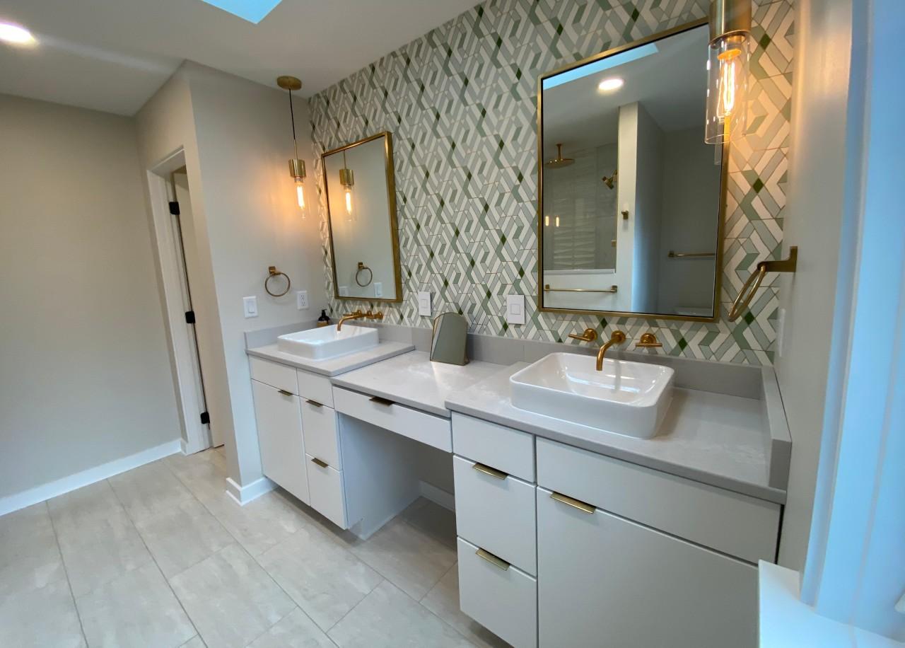 Julia + Kelly   Beaverdale Primary Bathroom Addition