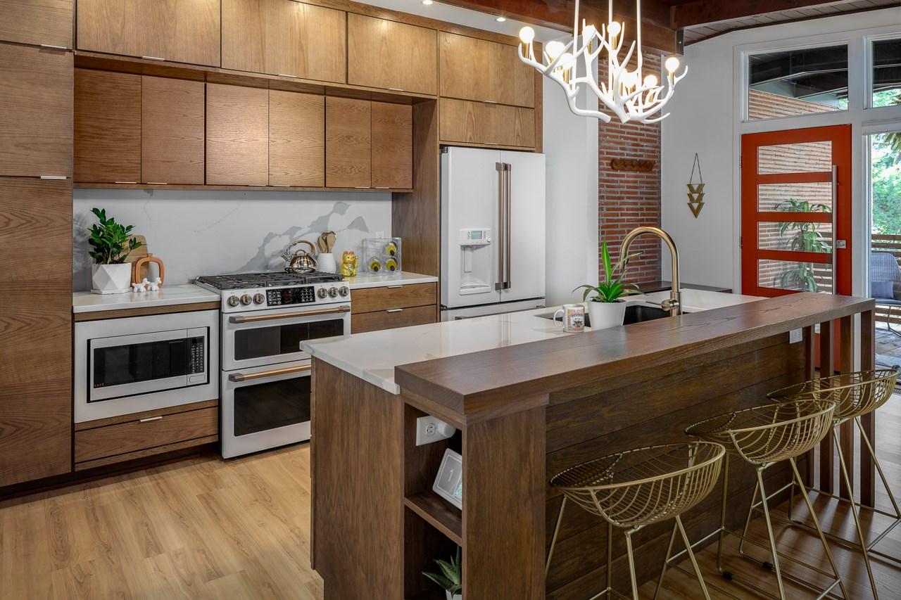 Des Moines Southside Mid-Century Modern Kitchen (after).
