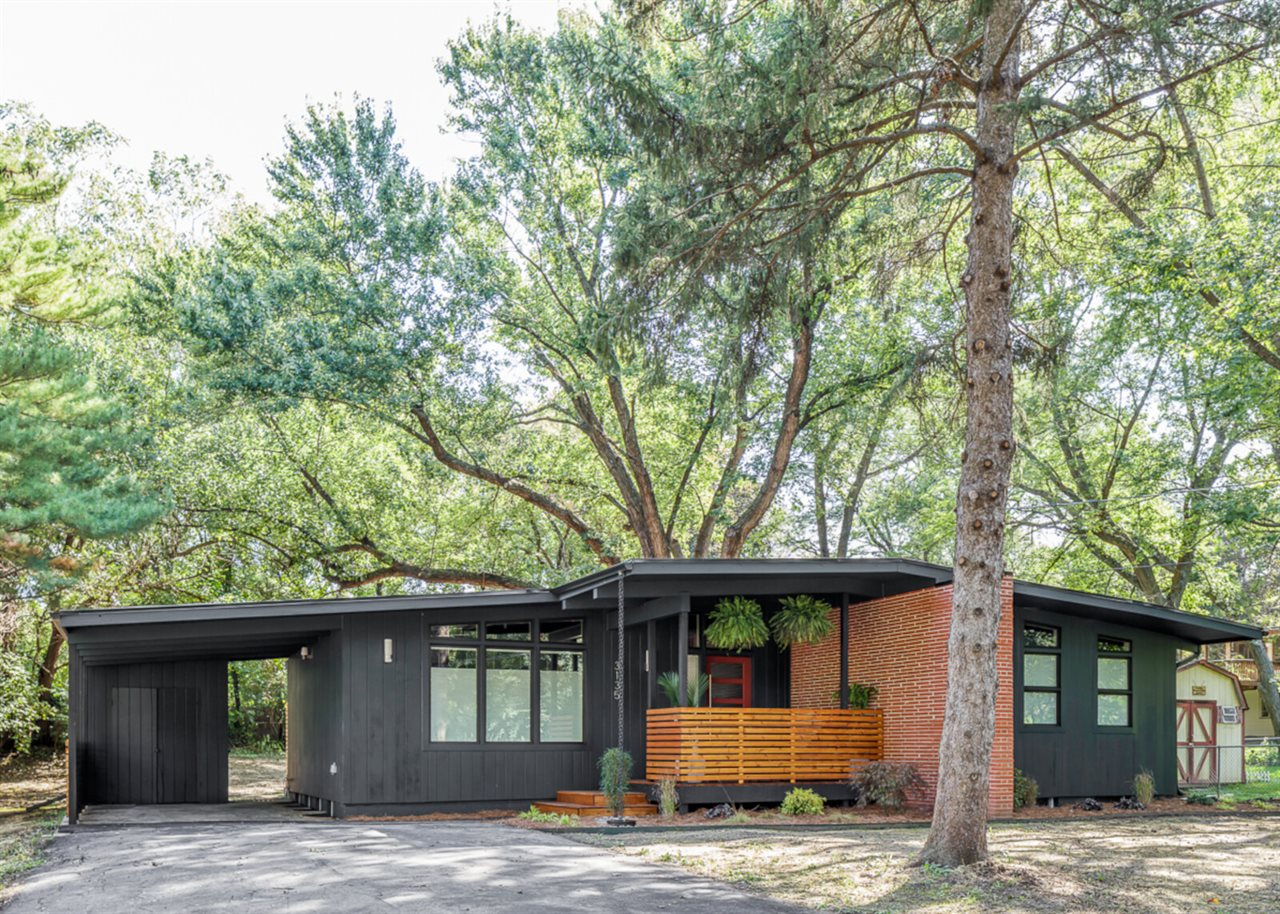 Des Moines Southside Mid-Century Modern (after).