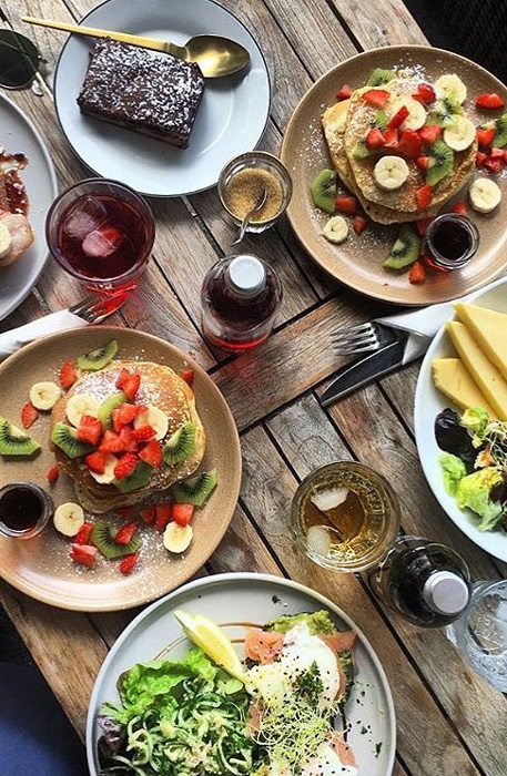 Ensemble de plats du restaurant
