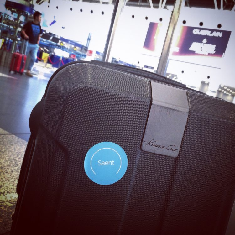 daily routine saent suitcase