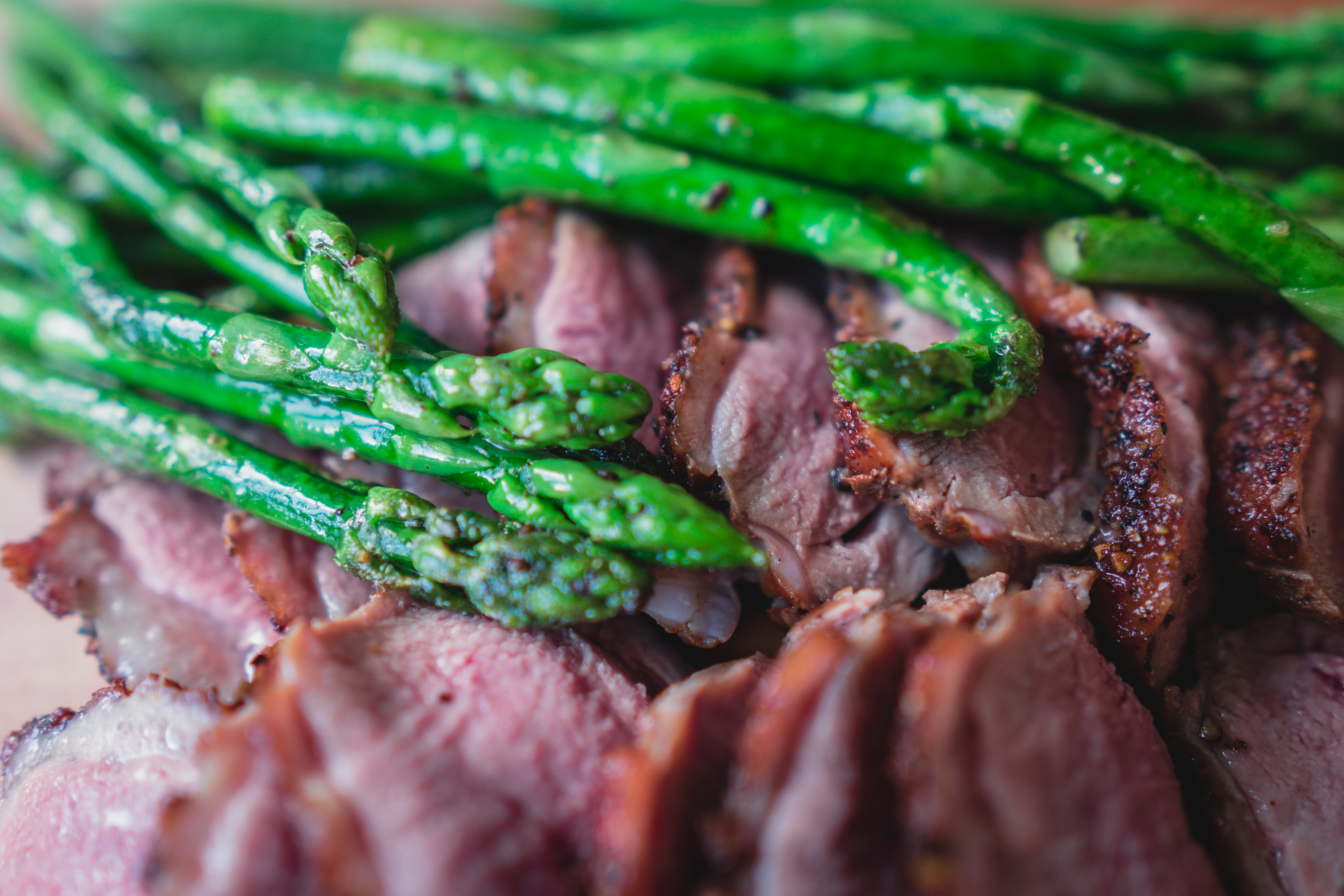 Green asparagus and meat.