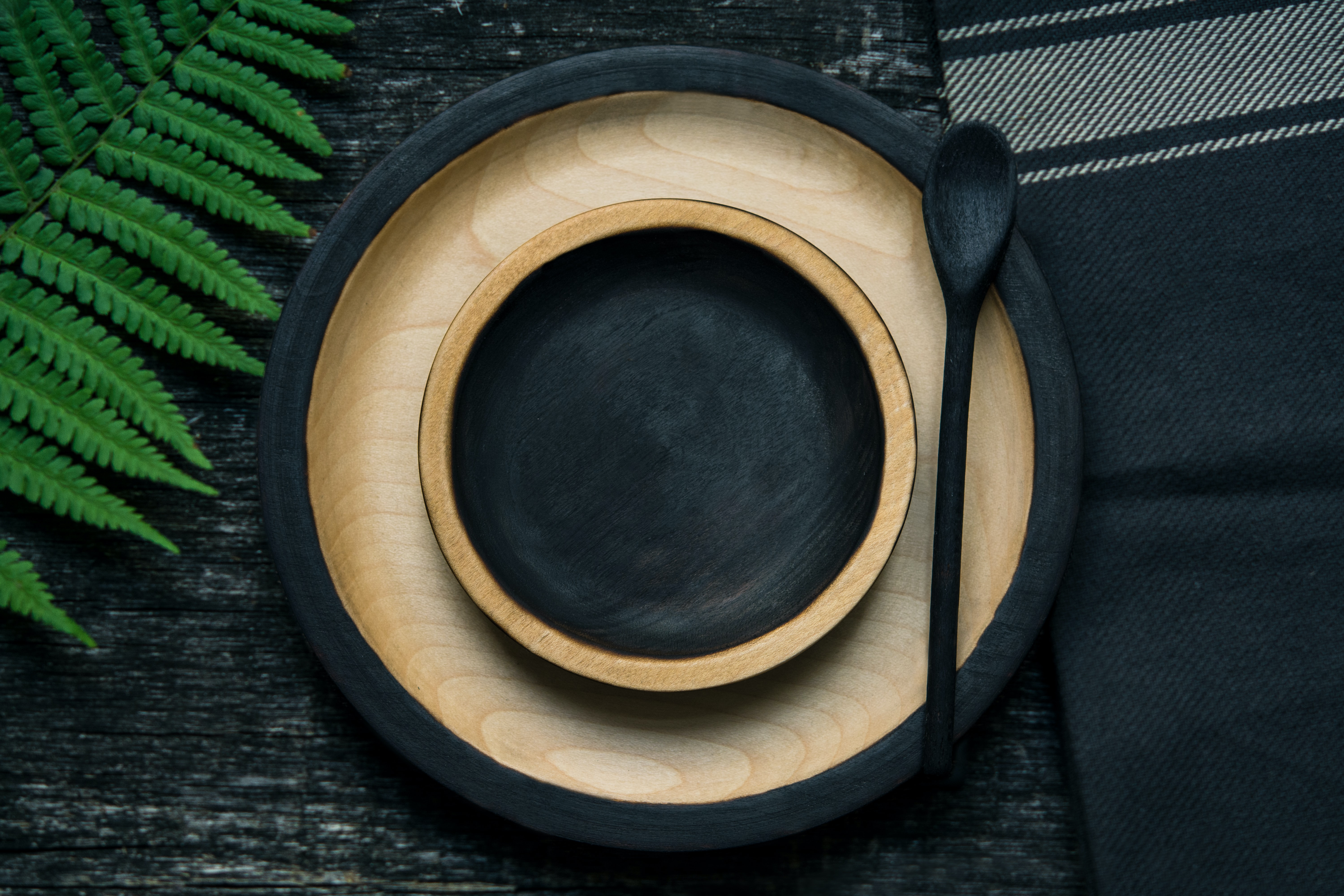 Empty wooden plate and bowl.