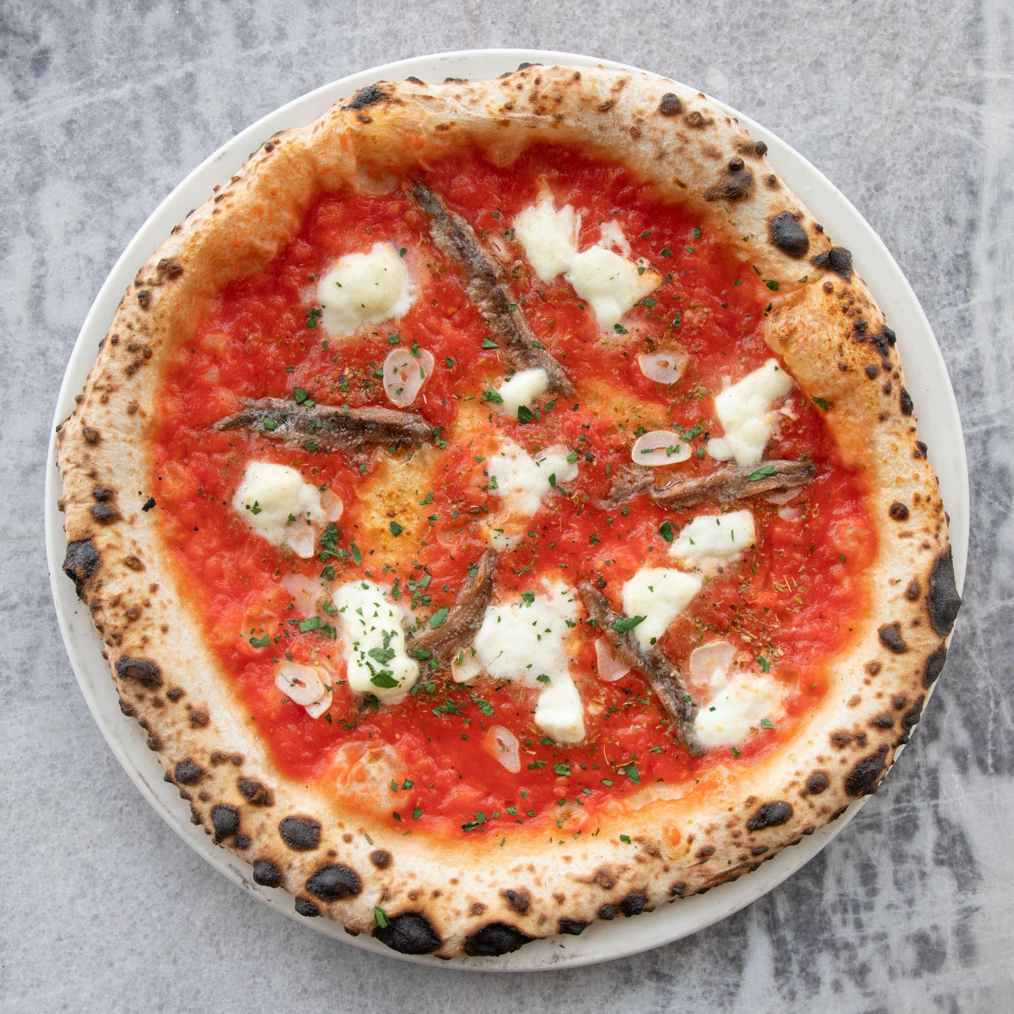 pomodoro, buffalo mozzarella DOP, oregano, garlic, anchovies, Italian parsley