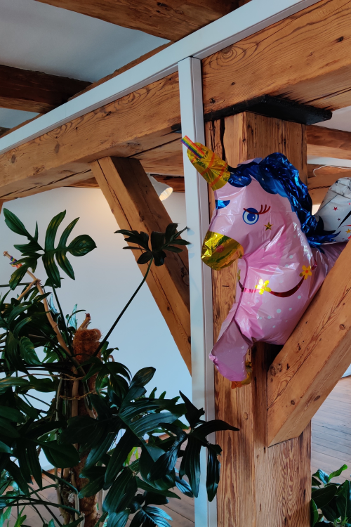 Unicorn, employee of the month @Estaid