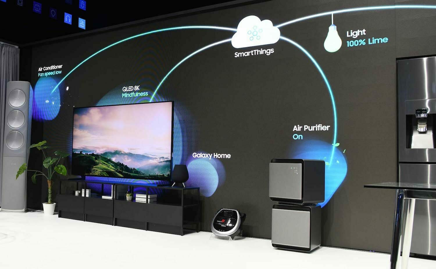 Samsung's SmartThings smart home demonstrated in a booth at a conference