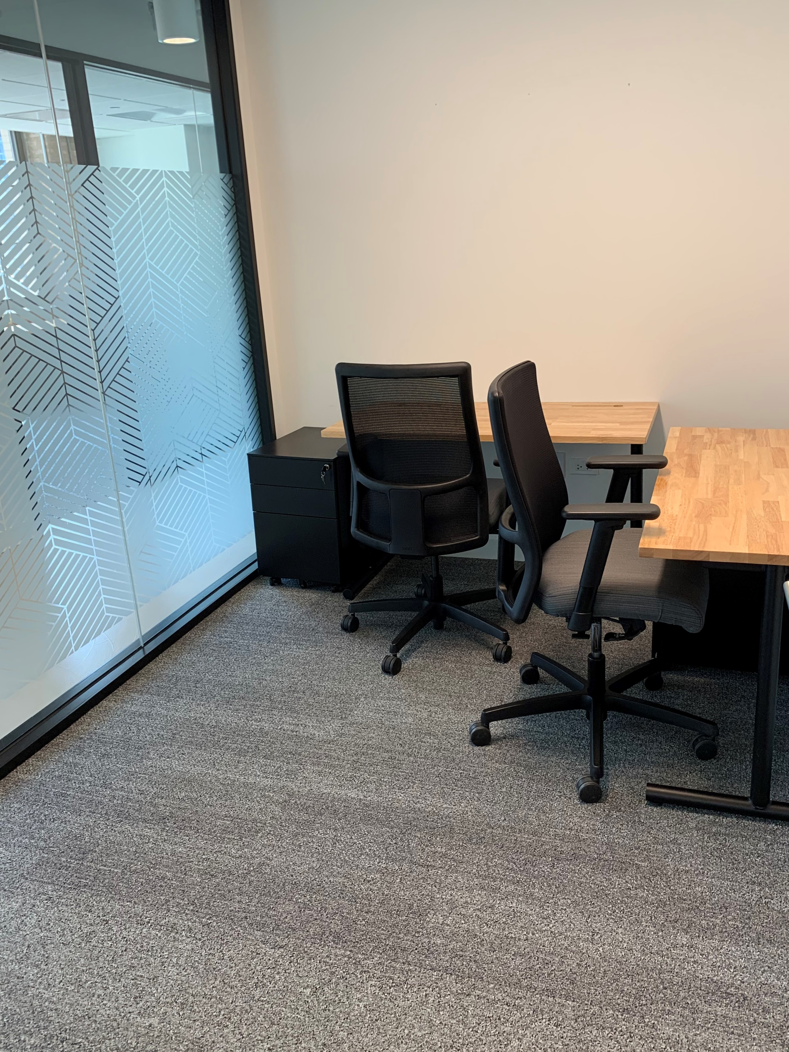 small furnished office for 2 people