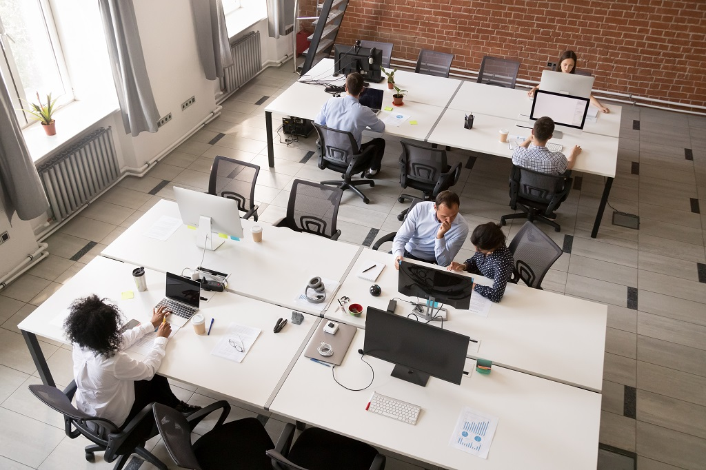 Is an Open Office Right for Your Business in Chicago: Pros and Cons