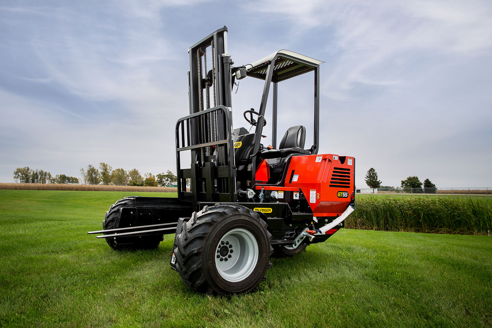 A commercial forklift product photo.
