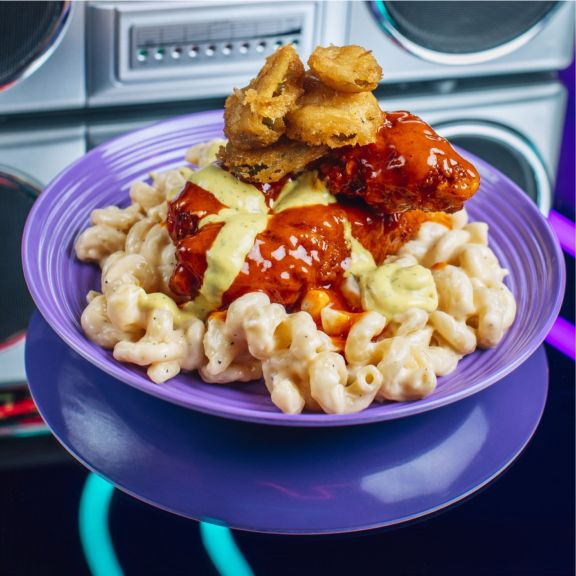 Nashville Hot N Dilly Dilly Chicken Mac