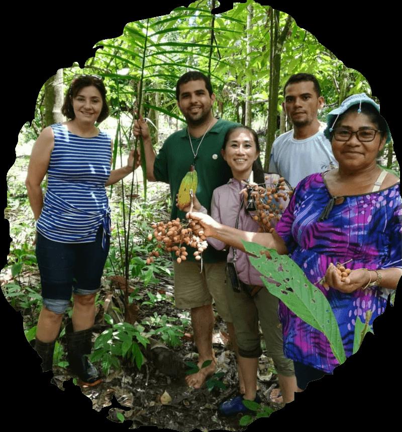 Amamos Amazon 代表 武田真由子と4人のアマゾンの農家たち