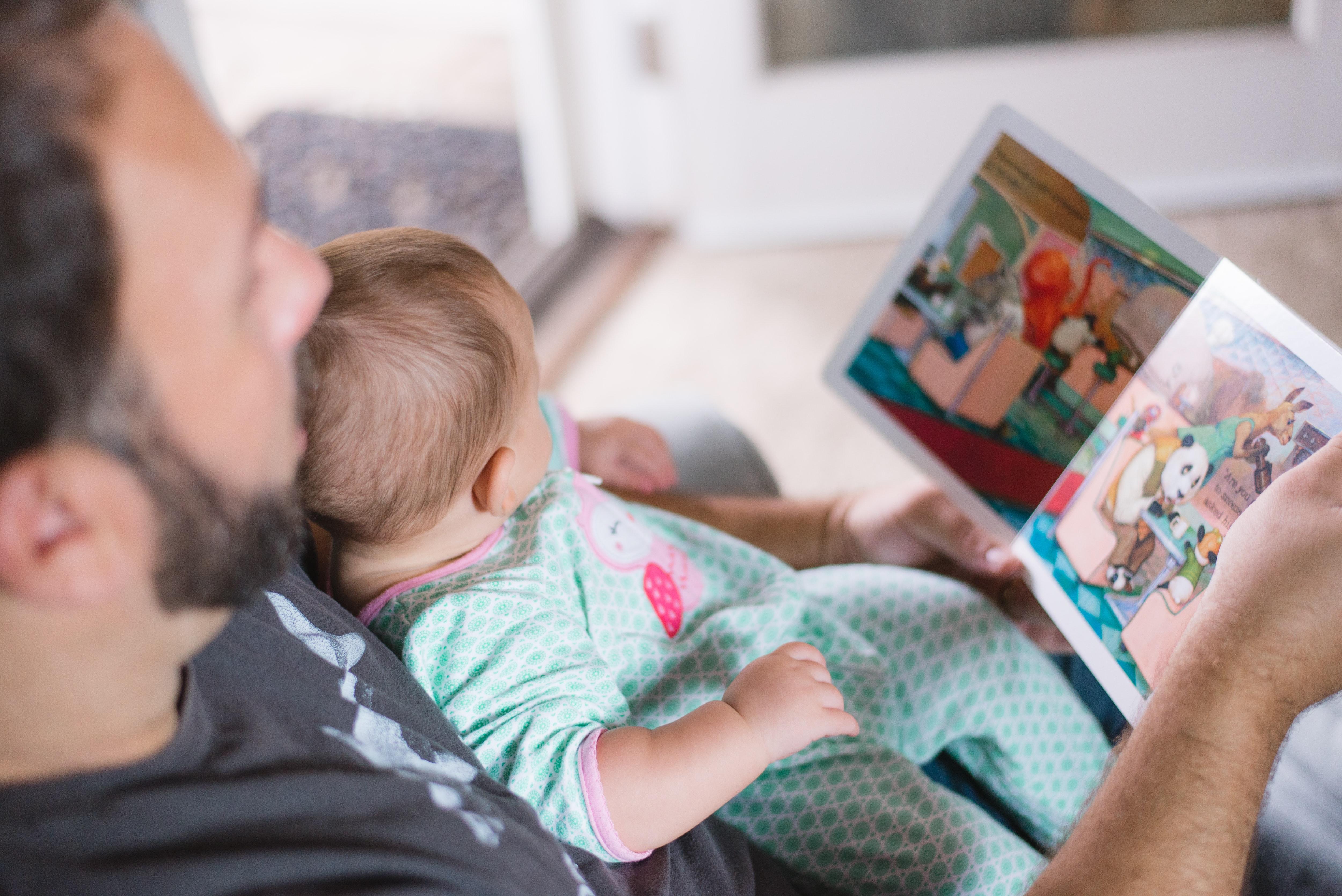 Photo d'un papa avec sa fille