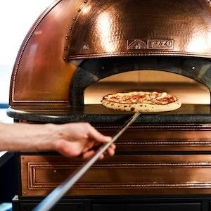 Cuisson au four d'une pizza