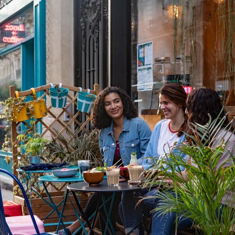 Açaï & You - Terrasse avec clientes