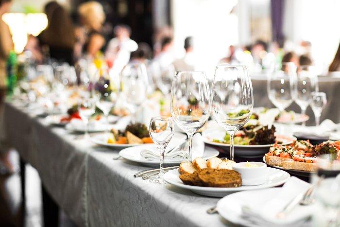 challenges operate restaurant