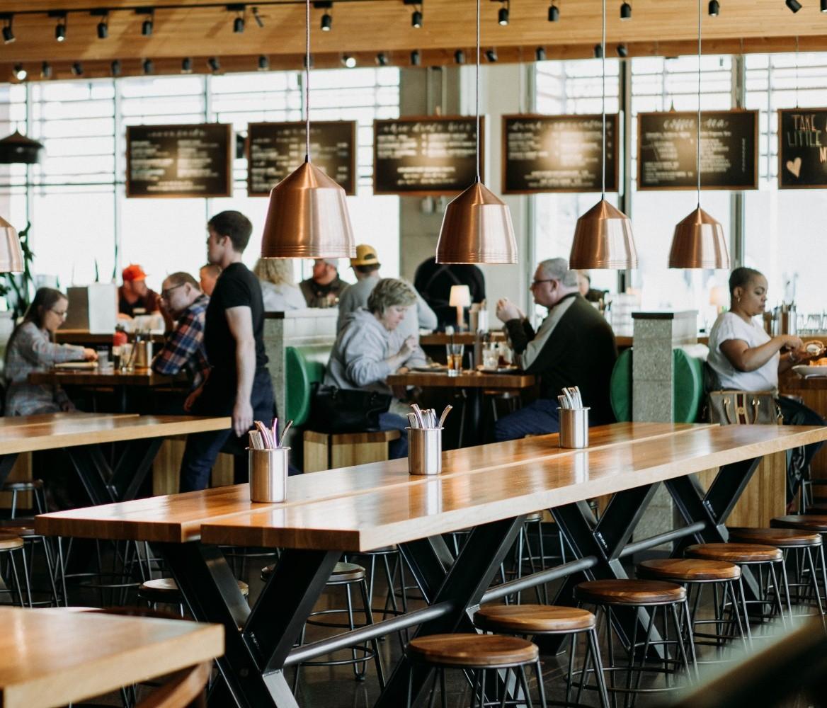 Ravintolaopas: Kuinka ravintoloiden tulisi valmistautua koronavirukseen