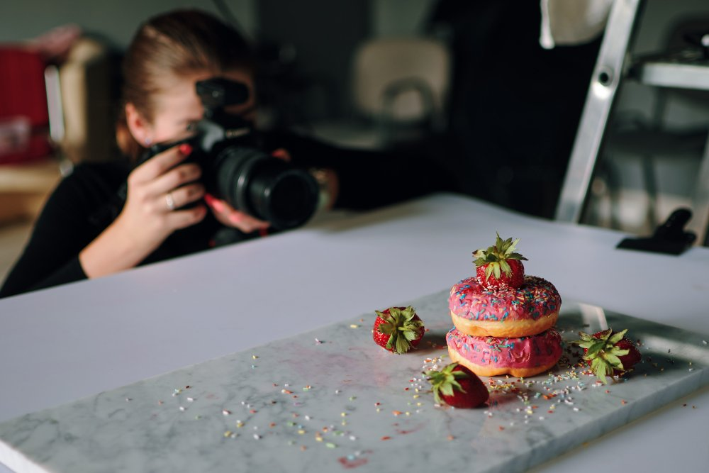Tips to take photos by yourself for your restaurant social media posts