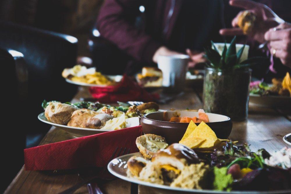 Parhaat sosiaalisen median kilpailut, joita ravintolasi voi käyttää