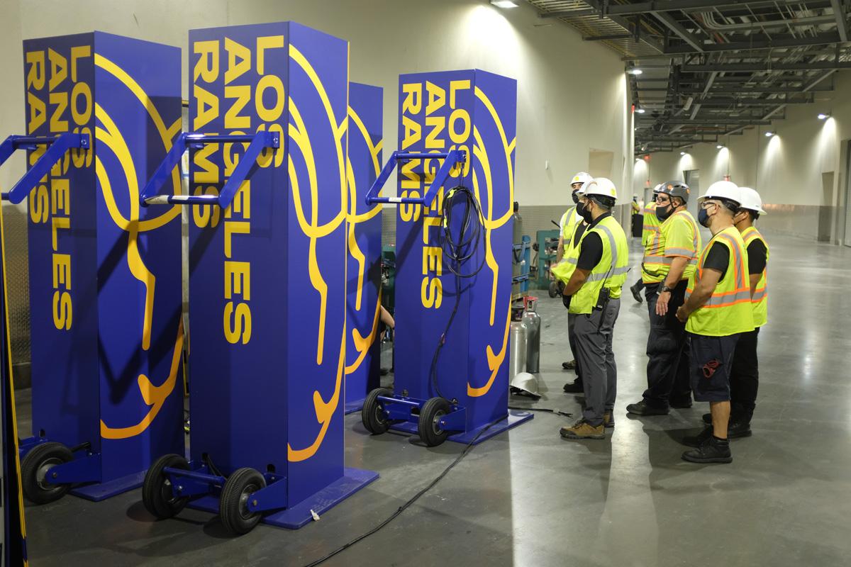 LA Rams player entrance CO2