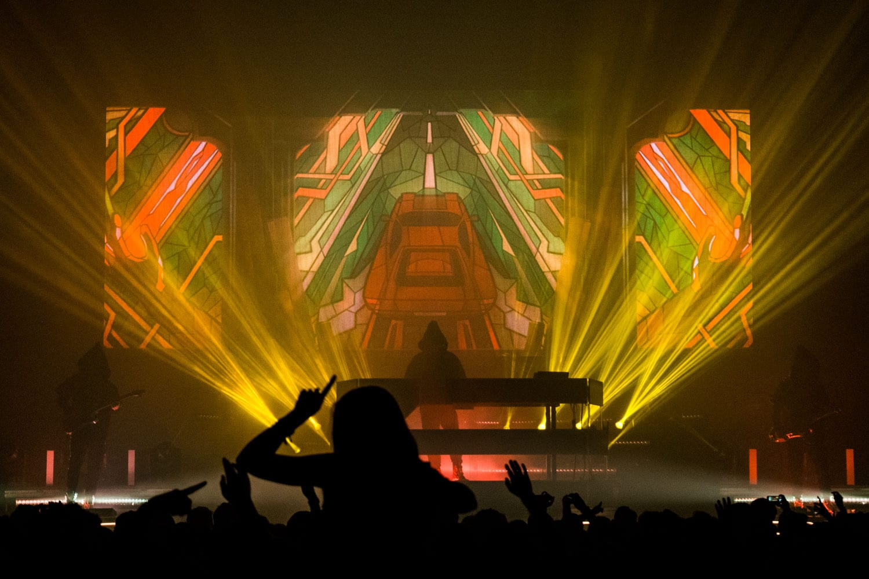 ZHU Neon City Tour  stage visuals