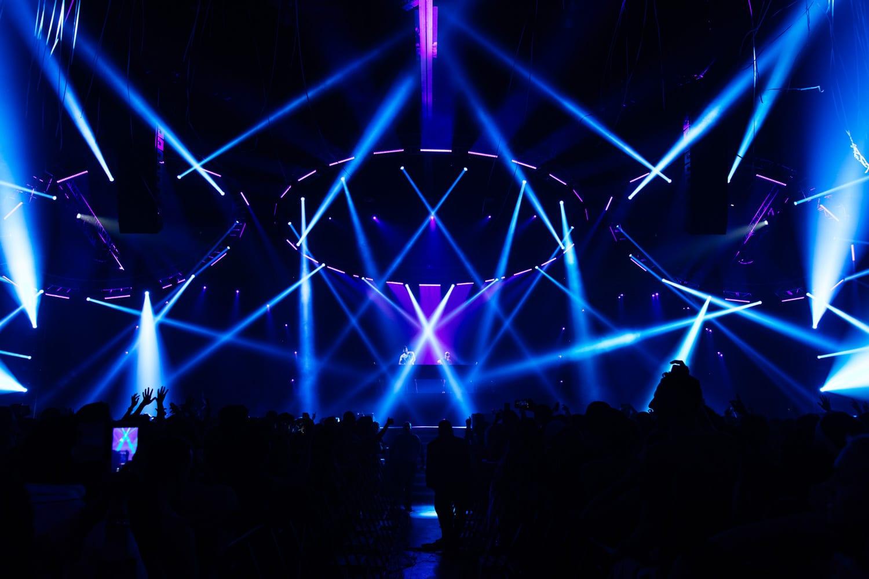 The Chainsmokers NYE stage lighting