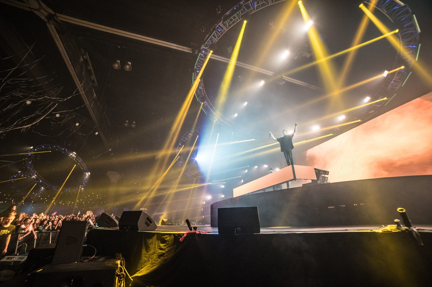 The Chainsmokers NYE 2016 Los Angeles stage