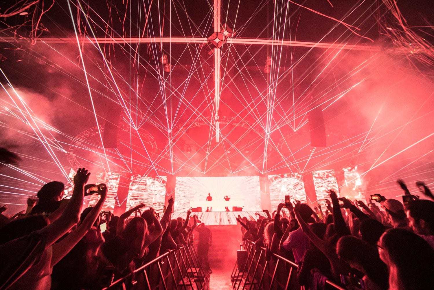 The Chainsmokers NYE 2016 stage