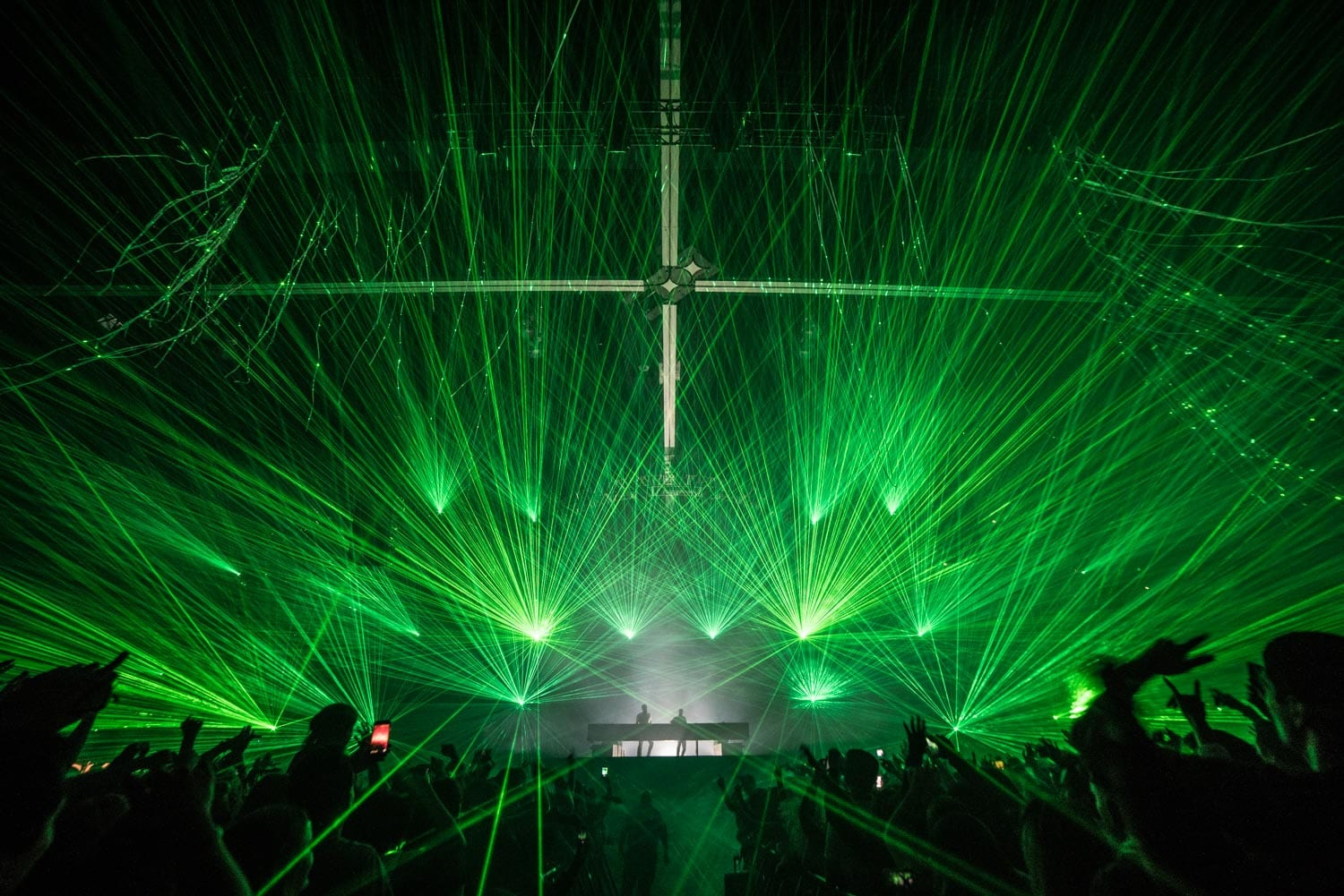The Chainsmokers NYE 2016 stage lights