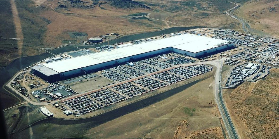 Tesla to start offering regular tours of Gigafactory 1, Panasonic to hold  event/tour - Electrek
