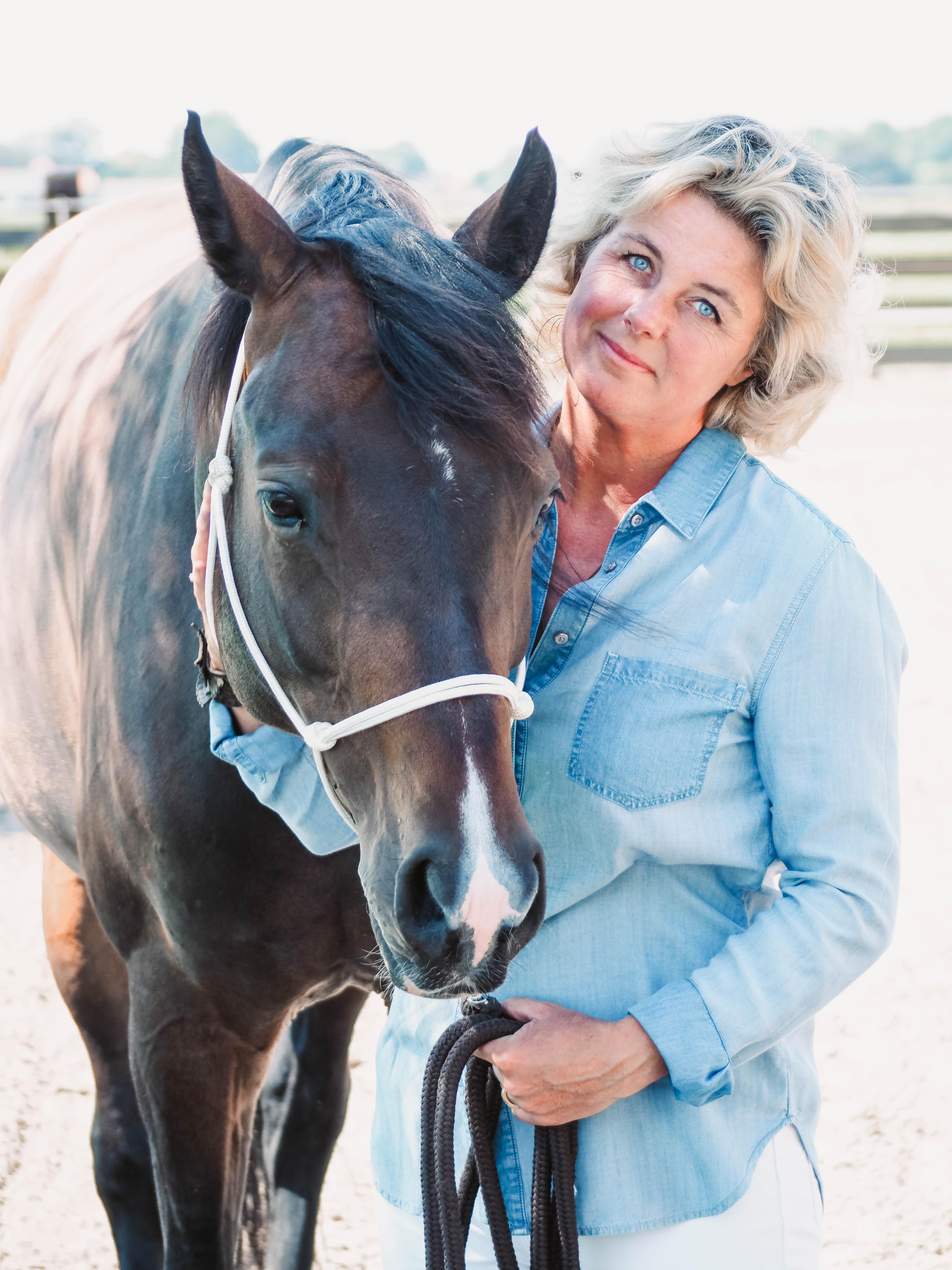 Saskia Wirsing met paard