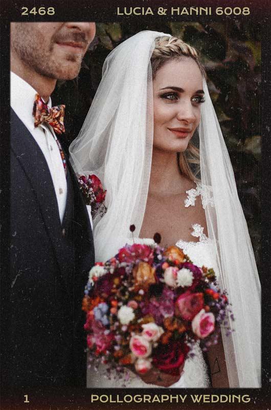 Hochzeitspaar genießt den Hochzeitstag fotografiert vom Hochzeitsfotografen Team pollography wedding aus Freiburg