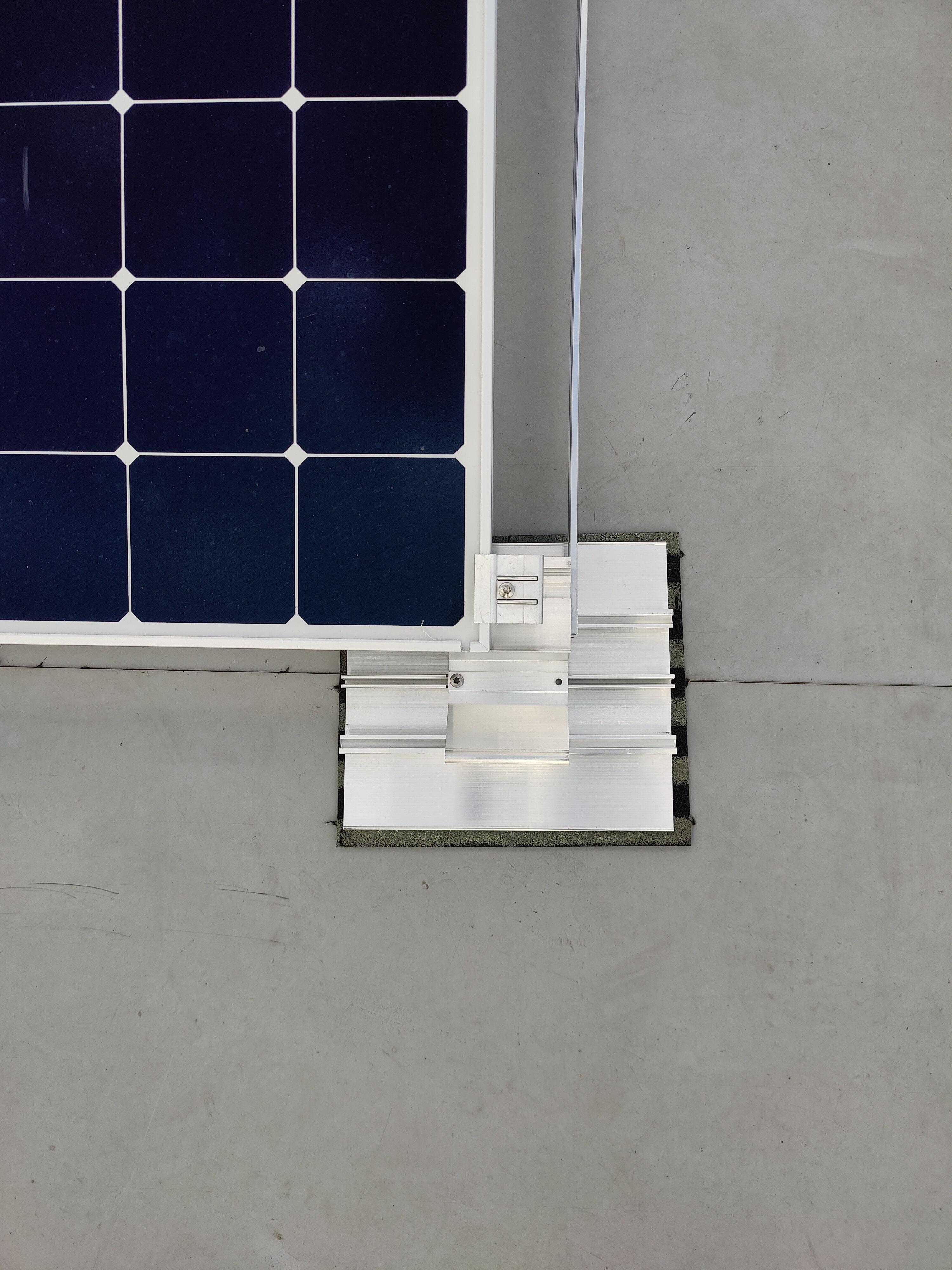 Detailansicht einer Photovoltaikanlage