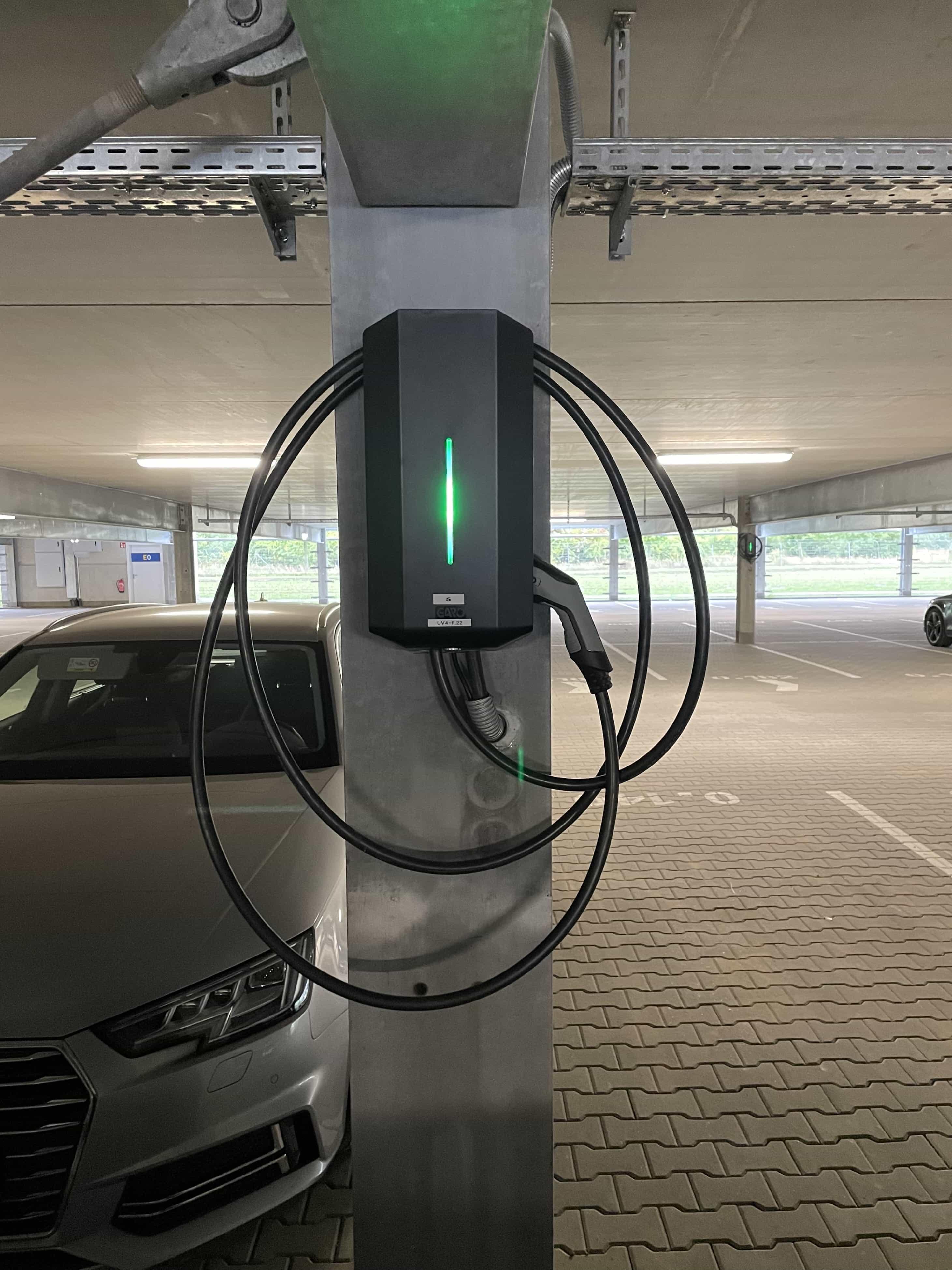Parkhaus mit Wallbox für E-Autos