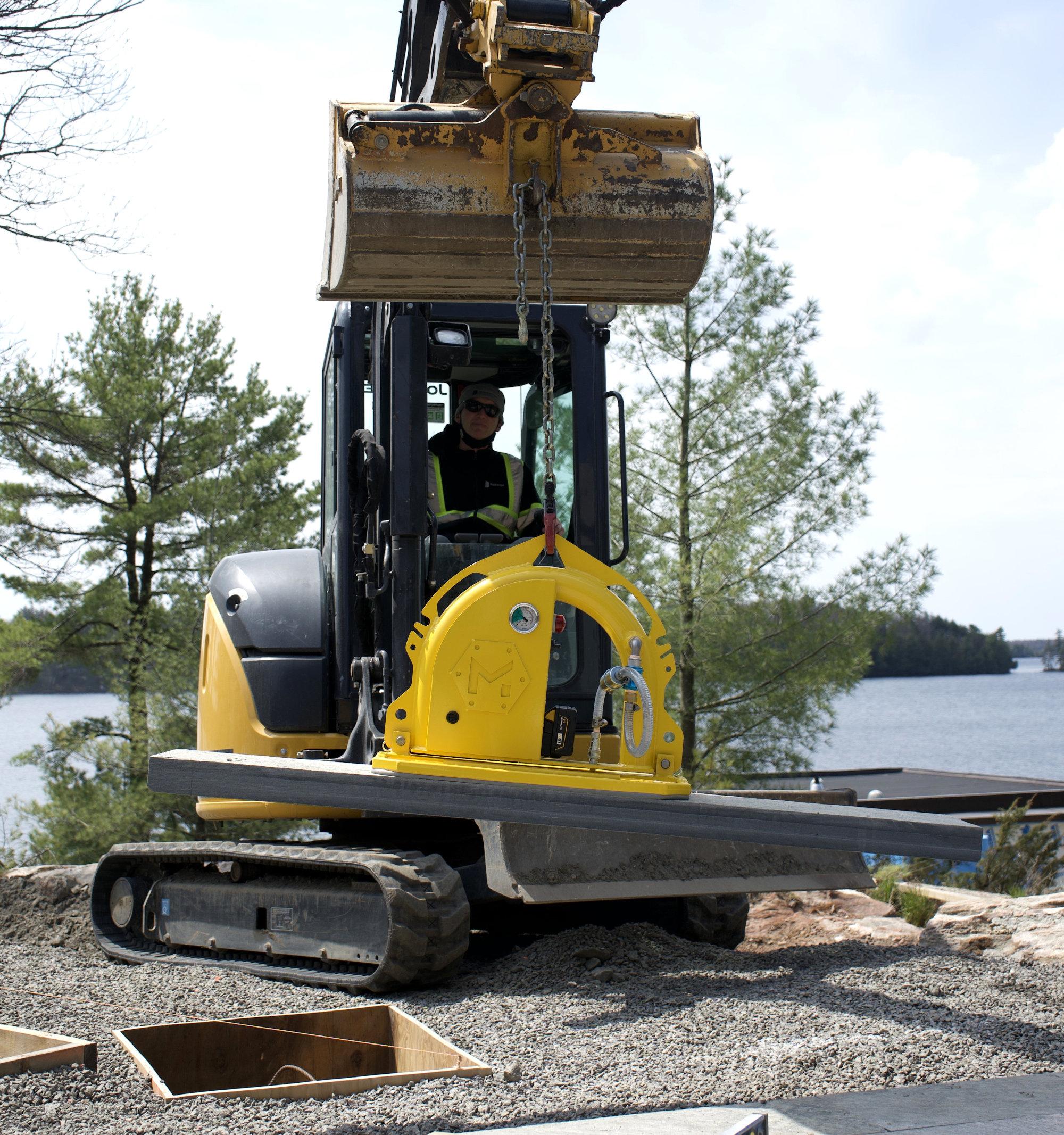 MQUIP Mini Mk2 vacuum lifter installing stone.